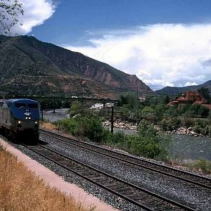 Amtrak at Glenwood