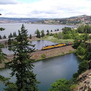 Westbound in the Gorge
