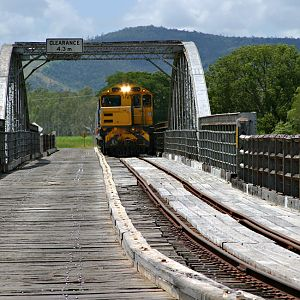 Easing onto the Dickabram Bridge